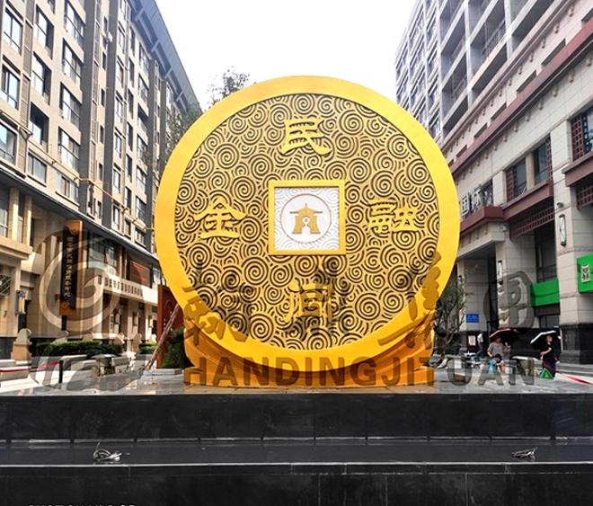 玻璃钢金融街铜钱