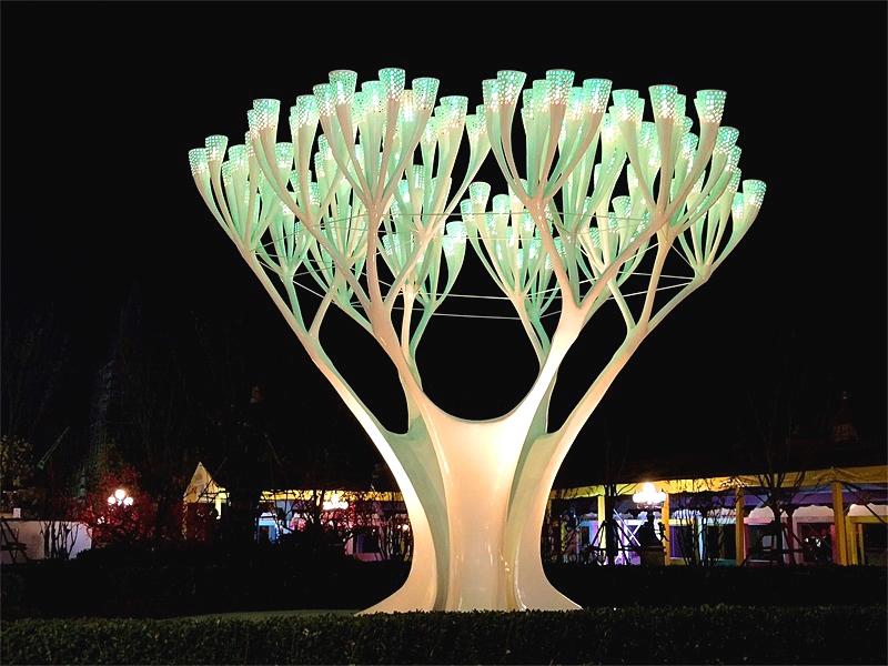 玻璃钢灯光景观天空树